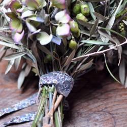 Chapa Corazón ramo de novia - cinta flores