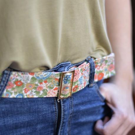 Cinturón flores hebilla